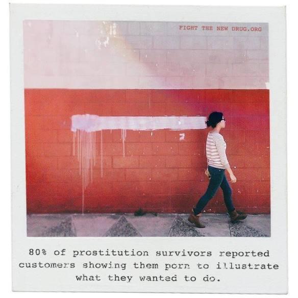 El 80% de las supervivientes de la prostitución reportaron que los clientes les ponían porno para mostrarles lo que querían, la mayoría, escenas de hardcore que implican violencia física, verbal y psicológica contra las mujeres.